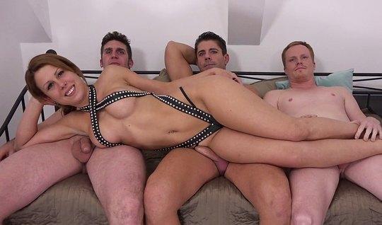 Три мужика подарили грудастой бестии двойное проникновение