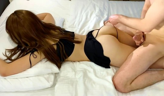 Молоденькая подружка согласилась на съемку домашнего порно от первого лица