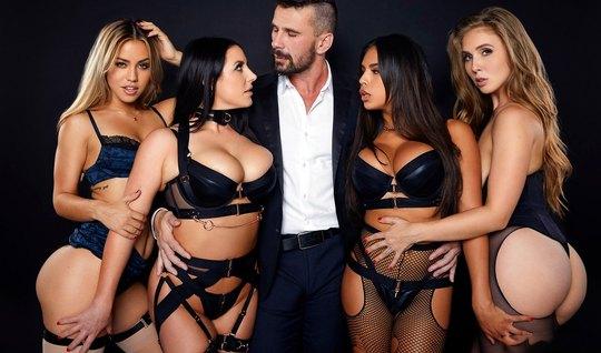 Мужчина принимает участие в лесбийской групповом сексе и трахает телок в чулках