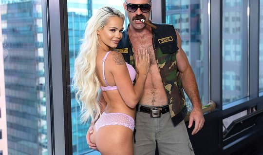 The blonde came to the casting and had sex in the pose of cancer
