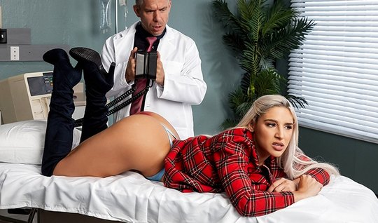 The blonde with a big ass at the doctor in the office is engaged in anal