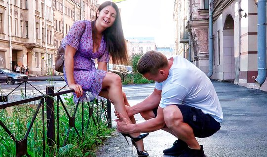 Russian pickup artist brought home a tourist and fucked her doggy style in a purple dress