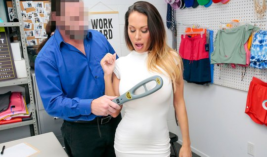 Milf in security office apologizes for stealing with throat blowjob and vaginal fuck