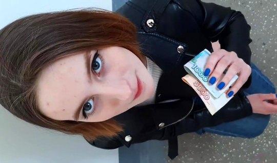 Пикапер раскрутил русскую девушку на качественный минет перед видеокамерой