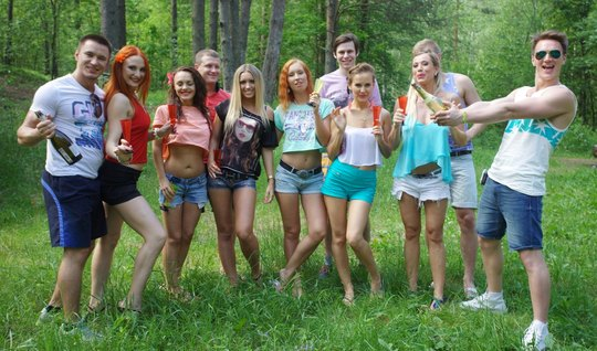 Russian sluts gave the guys in nature a real orgy with orgasm and pleasure