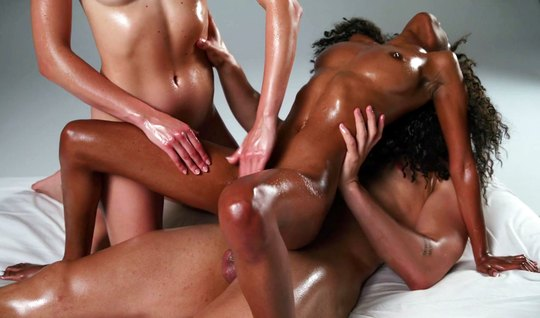 Gentle massage for a mulatto ends with hot handjob and sex on camera