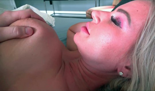 Mom, after home sucking, did not give up porn close-up