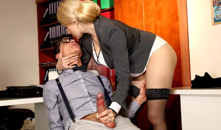 A young guy two hours to have sex at work blonde maturly