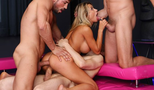 Big Tits Chick Cums During Double Penetration With Guys