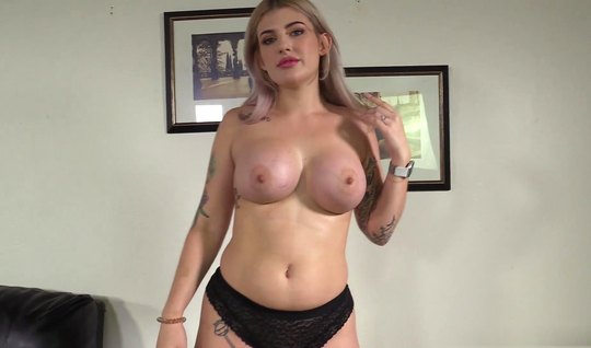 Chick with big tits came to the casting and has sex with a friend