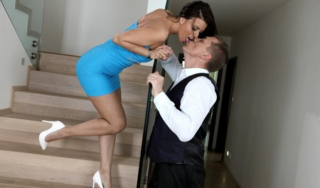 MILF with beautiful boobs gets fucked by an office employee